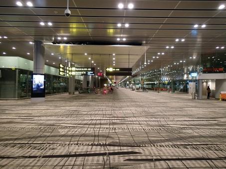 空港 シンガポール チャンギ 出発ロビー フロア 旅行 旅