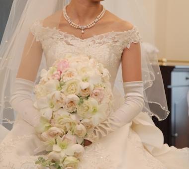 花嫁 新婦 結婚式 結婚 ウエディング wedding ブーケ 純白 ウエディングドレス