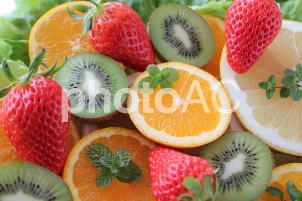 フルーツ盛り合わせの写真