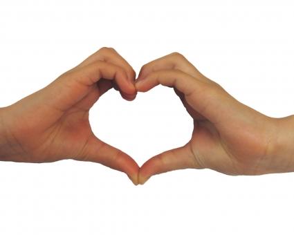 ハート ハート型 手 指 はーと LOVE love 光 後光 少女の手 女性の手 手の素材 素材 heart web素材 web背景 ラブリー ラブリー背景 背景 人物 バレンタインデー ホワイトデー 平和 eco エコ 美容 合成