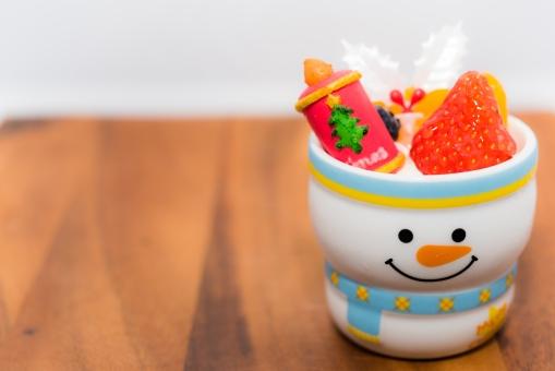 クリスマス 容器 かわいい ケーキ フルーツ イチゴ 冬 スイーツ お菓子 おいしい 木目調 甘い デザート カロリー 誕生日 バースデー