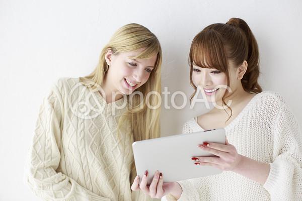 女友達 外国人と日本人28の写真