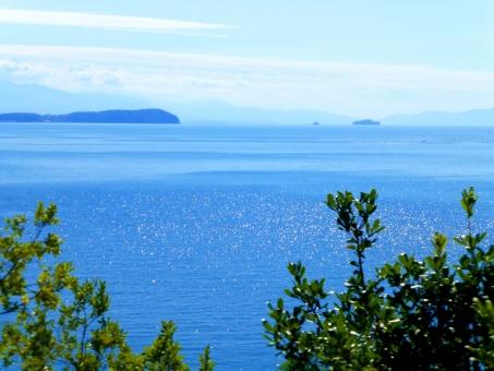 海 空 青空 青 瀬戸内海 瀬戸内 きらきら キラキラ 風景 背景 島 緑 夏 春 水色 スカイ 景色