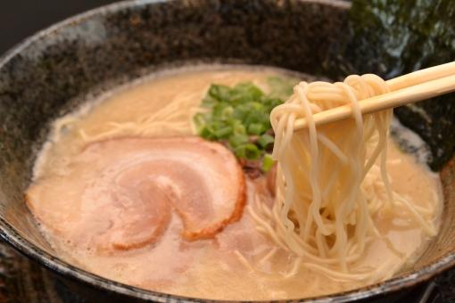 豚骨ラーメン(麺上げver)の写真