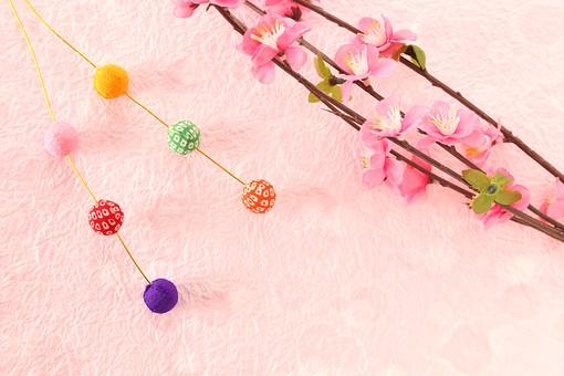 年賀状 素材 正月 飾り 縁起物 餅花 もち花 繭玉 梅 ちりめん細工 造花 クラフト 工芸 ハンドメイド 手作り 作品 小物 和紙 和風 古風 日本 カラフル 明るい 華やか 女性的 ピンク