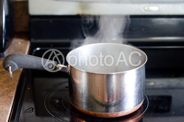 鍋とコンロ4の写真