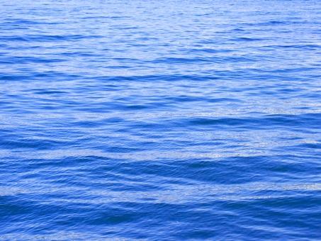 海 瀬戸内海 海原 波 海上 水面 海面 水 青 紺碧 blue あお 紺 穏やか 波間 涼しい 清涼感 春の海 背景 バック 壁紙 テクスチャー テクスチャ