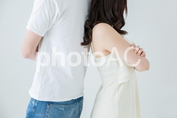 喧嘩する男女の写真