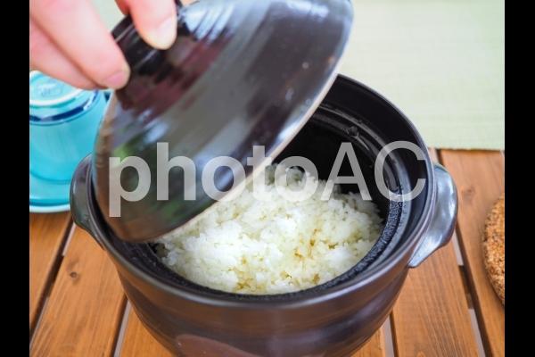 土鍋炊きのごはんの写真