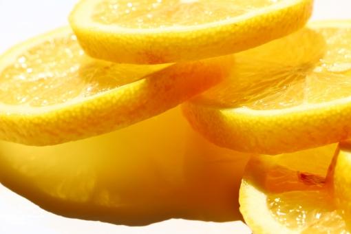 レモン 檸檬 lemon 輪切り レモンの輪切り 檸檬の輪切り 果物 果実 フルーツ ミカン科 植物 食物 食用 食べ物 料理 飾り 酸っぱい 実 熟す 黄 黄色 黄色い yellow イエロー 粒 つぶ 粒々 つぶつぶ 種 酸味 爽やか 香り 芳香剤 芳香 ビタミンc 新鮮 フレッシュ fresh ビタミン 丸い まるい 栽培 果皮 弾力 皮 水分 搾る deuce ジュース ハチミツレモン はちみつレモン 紅茶 レモンティー 洋菓子 ケーキ 材料 食料品 背景 壁紙 テクスチャ 素材