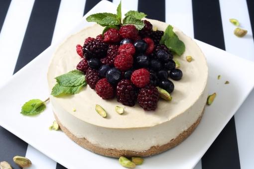 ケーキ 手づくり レアチーズ レアチーズケーキ ホールケーキ 果物 ベリー スイーツ スウィーツ お菓子 菓子