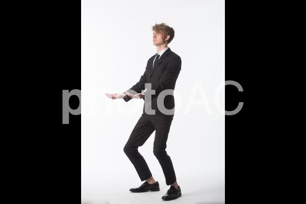 ポーズを取る男性10の写真