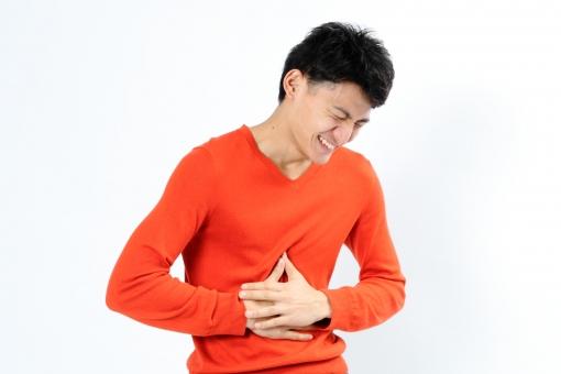 人物 生物 人間 男性 若い 青年 アジア アジア人 日本 日本人 ポーズ モデル ラフ 私服 オフ 赤い オレンジ 立つ コミュニケーション 表情 笑う 笑顔 大笑い 爆笑 楽しい mdjm002