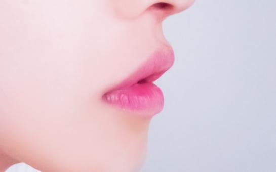 唇のアップの写真