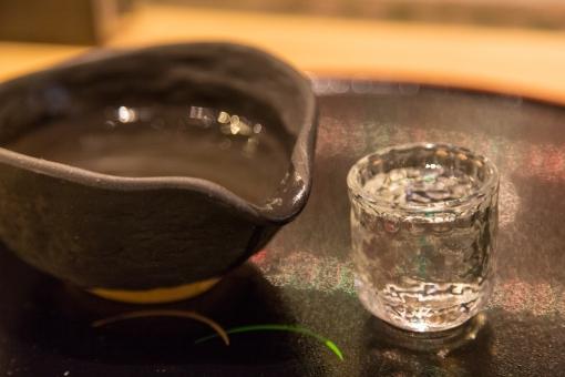 ぐい呑み 酒杯 杯 盃 片口 酒器 徳利 日本酒 お酒 酒 晩酌 お酌 グラス お銚子 水分 陶器 ガラス
