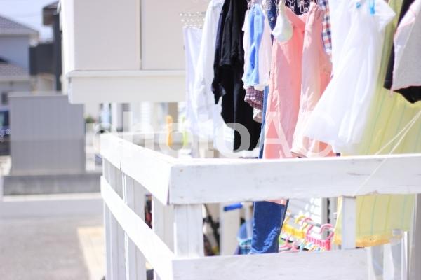 ベランダの洗濯物の写真