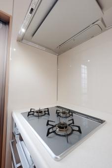 キッチン 住宅 コンロ 厨房 住居 住まい 新築 新居 ガスコンロ リフォーム ガラストップ システムキッチン 換気扇 換気