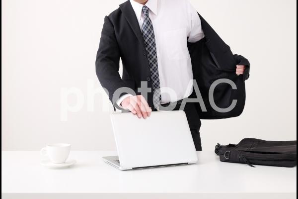 ビジネスマンの朝の写真