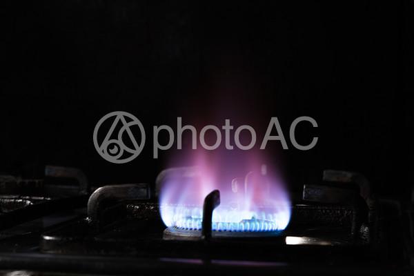 コンロの火の写真