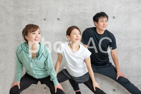 ヨガ教室(屈伸)の写真
