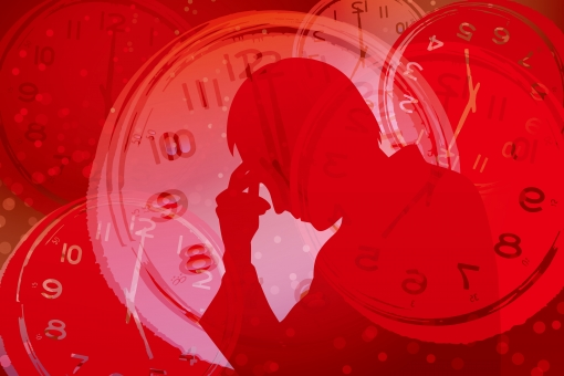 時間 締切 不眠症 締め切り 男性 パニック いらいら イライラ 焦り 精神的 重圧 心配 不安 フラストレーション 追いつめられる 時計 シルエット 制限時間 タイムリミット 混乱 悩む 悩み いそがしい 忙しい 慌ただしい 限界 危険 レッド 赤