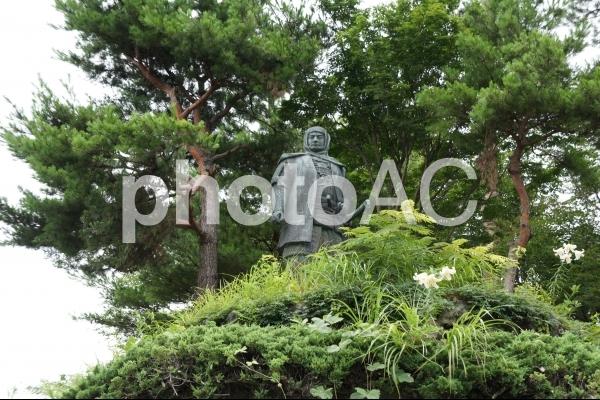 春日山城の上杉謙信像の写真