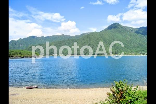 山梨の西湖の写真
