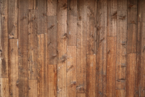 木目の板の壁の写真