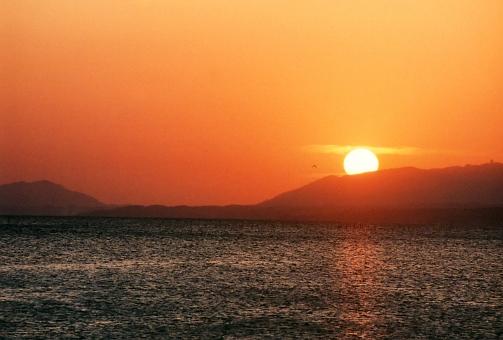 satochi サトチ 島根 しまね シマネ shimane 宍道湖 しんじこ シンジコ shinjiko lake ミズウミ みずうみ 湖 朝日 あさひ アサヒ morning 朝 夕日 ゆうひ sunset 夕焼け ゆうやけ たそがれ 黄昏 orange オレンジ japan 日本