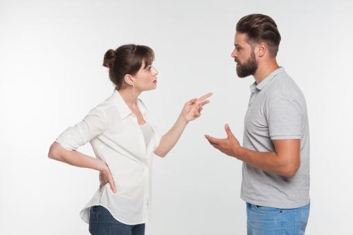 「喧嘩する夫婦 フリー画像」の画像検索結果