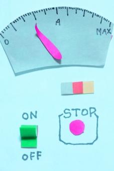 機械 計器 スイッチ 謎 工作 宿題 設備 クラフト 赤 青 装置