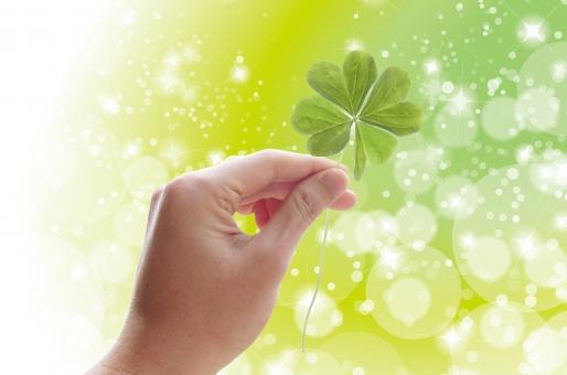 白 可愛い メルヘン ファンタジー 四葉 木漏れ日 日 こもれび 木洩れ日 四つ葉 クローバー 葉 草 手 森 樹木 緑 しろつめくさ シロツメクサ 白詰草 夏 幸せ 幸福 福 ラッキー グリーン 葉っぱ 植物 自然 背景 壁紙 テクスチャー バックグラウンド 素材 さわやか 癒し バック 光 公園 みどり 春 花 草花 新緑 初夏 4月 5月 6月 四月 五月 六月 四ツ葉 人物 パーツ 環境 eco 木 カワイイ エコ クリーン エコロジー