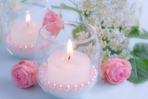 ろうそく 蝋燭 ローソク 明かり 灯り 炎 ともしび 光 火 パール パール調 ピンク お祝い ウエディング 薔薇 バラ ばら 花 レースフラワー ピンク ピンク色 ホワイト 白 幸福 幸せ 幸福感 メッセージカード
