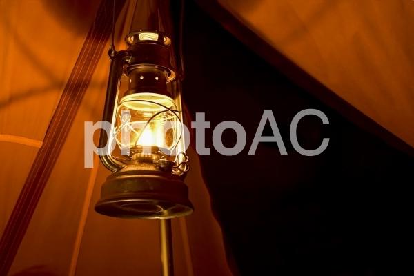 ランタンの灯りの写真