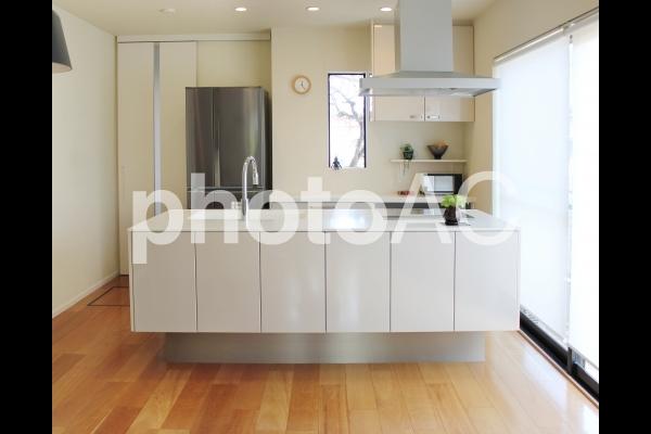 白いキッチンの写真