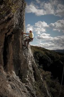 「よじ登る フリー素材」の画像検索結果