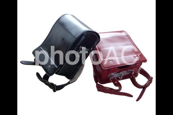 ランドセル 赤と黒の写真
