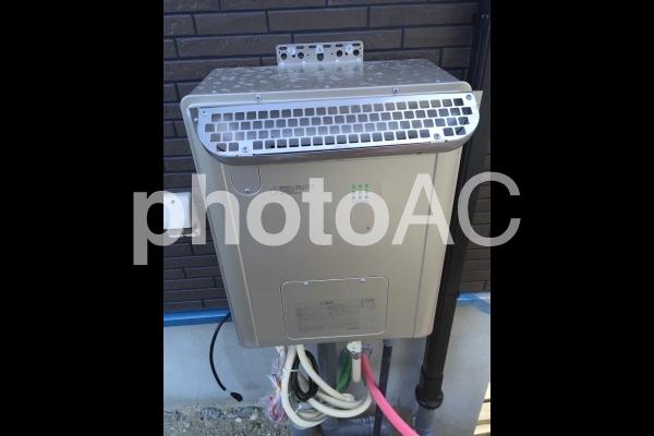 給湯器設置の写真