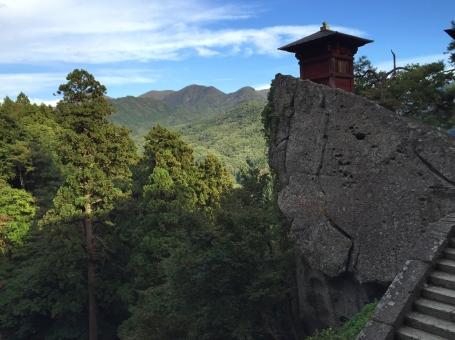 山寺 立石寺 寺社 山形 山形県 景色 お堂 階段 崖 岩 空 木 緑 山 森