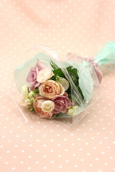 花 植物 薔薇 ばら バラ 綺麗 美しい 切花 切り花 花びら 花束 フラワーアレンジメント プレゼント ギフト サプライズ プロポーズ 告白 愛 ホワイトデー クリスマス 誕生日 記念日