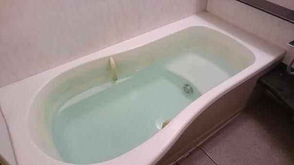 お風呂 浴槽 浴室 湯船 湯殿 バスルーム 疲れを癒す リラックス ふろ フロ バス バスタブ 住まい お風呂場 入浴 温泉 白 お風呂場 無人 人物無し 清潔 明るい 綺麗 水 お湯 シャワールーム 生活 日常 日常生活 風呂