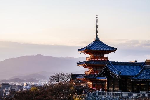 春の京都・清水寺の写真