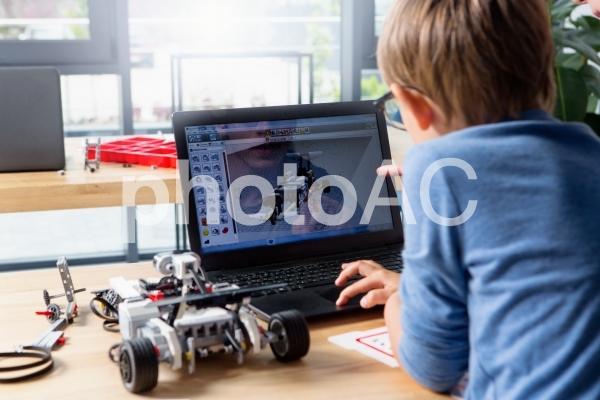 子供とロボット14の写真