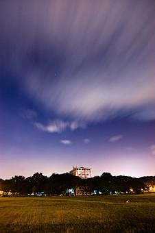 東南アジア 雲の動く空の写真