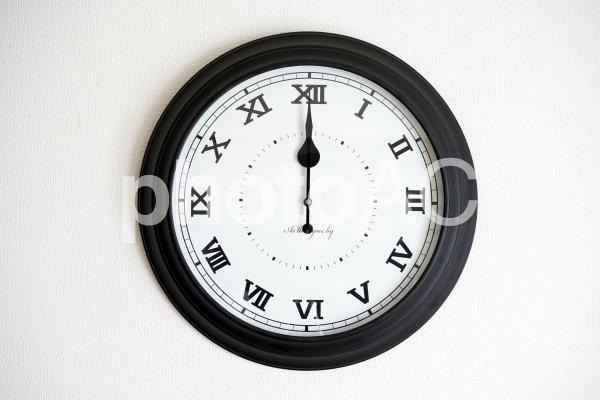 時計(壁掛け)12時の写真