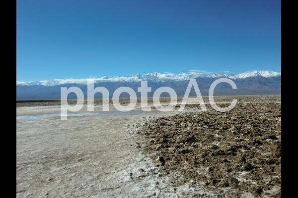 デスバレーの塩湖の写真