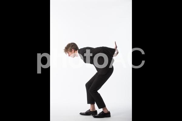 ポーズを取る男性4の写真
