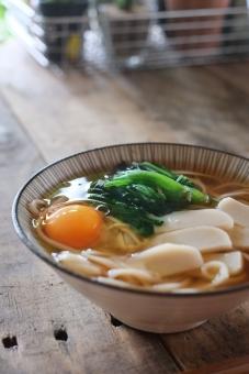 うどん ウドン 饂飩 麺 めん 麺類 月見饂飩 月見うどん お昼ごはん ランチ 和食 日本食 japanese food udon noodle japanesefood
