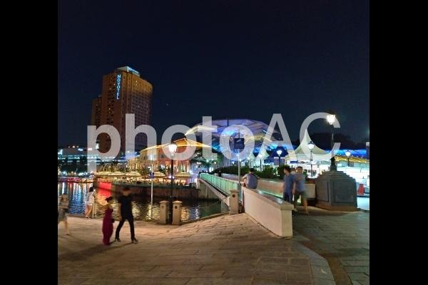 シンガポール クラークキー 夜景 イルミネーション 橋の写真