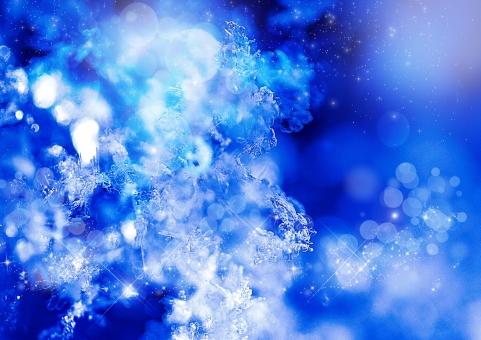雪 結晶 青 ブルー 水色 白 氷 冬 ロマンティック キラキラ 星 輝き 幻想的 背景 テクスチャー バックグラウンド 壁紙 玉ボケ